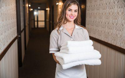 Funciones de una empleada de limpieza en hotel o hosteleria