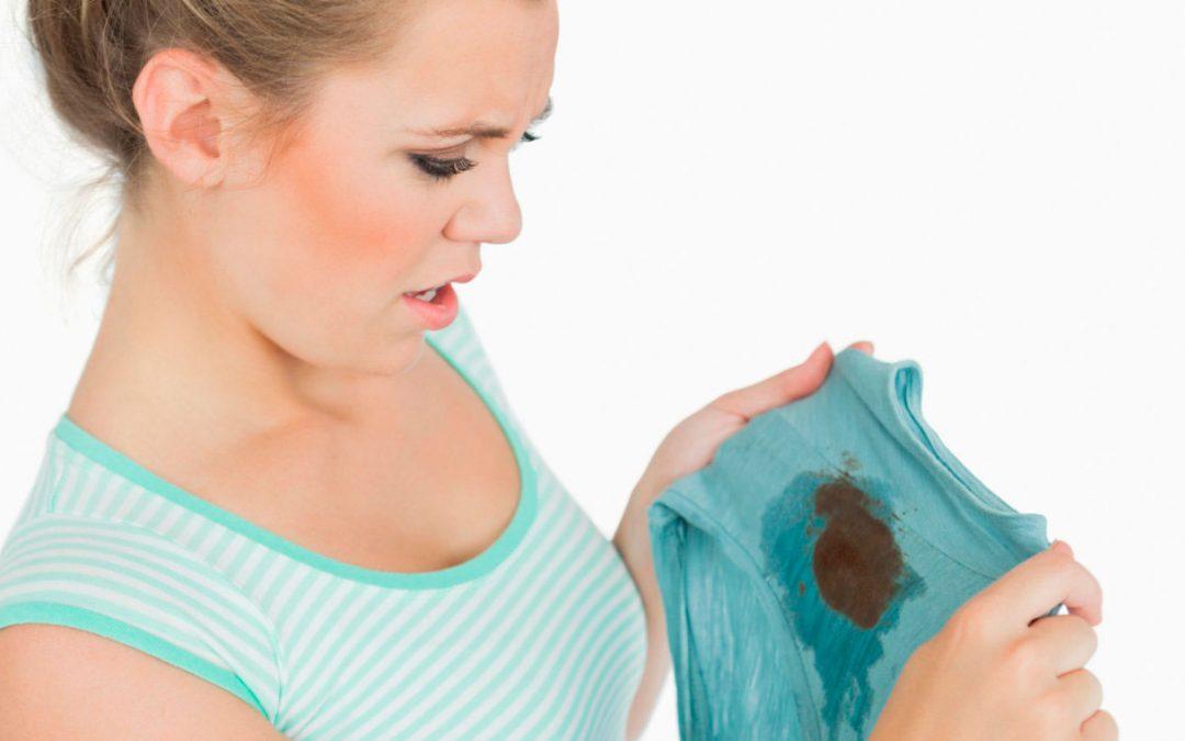 10 consejos rápidos para quitar las manchas de la ropa