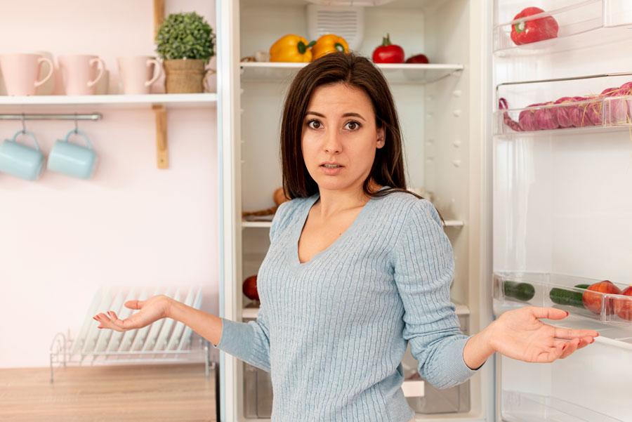 servicio-de-limpieza-a-domicilio-el-escorial-limpiar-nevera-cocina
